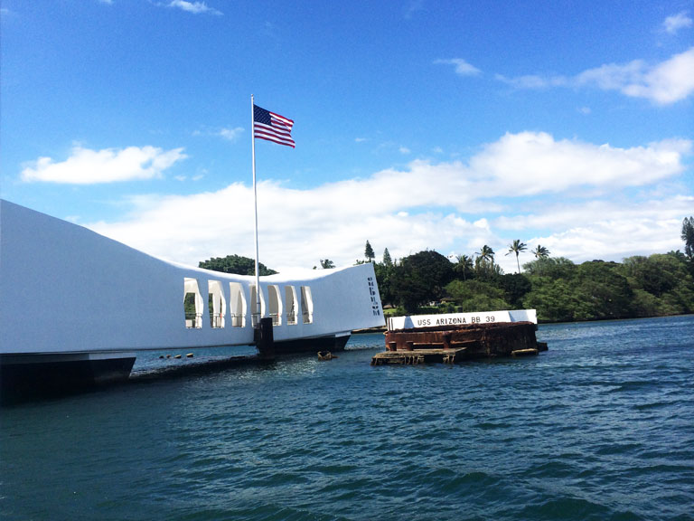 uss-arizona-memorial-oahu-hawaii
